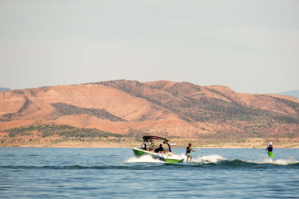 Wakeboard rental at Roosevelt Lake Marina